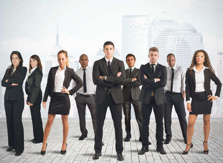 recursos financieros: Concepto de equipo de negocios con el empresario y empresaria Foto de archivo