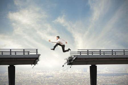 Zakenman en het overwinnen van de moeilijkheden begrip