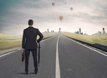 ビジネスマンの成功への道を探しています