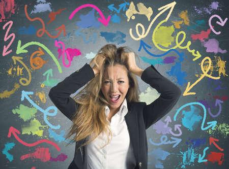 right ideas: Concepto de decisiones dif�ciles de una mujer de negocios