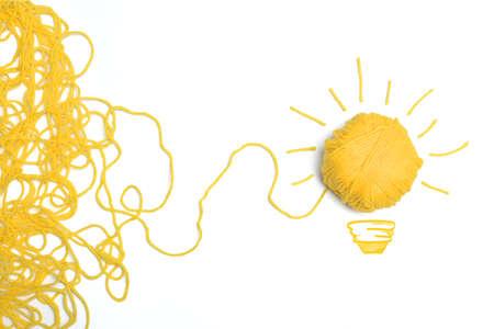 アイデアと羊毛のボールと技術革新の概念