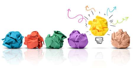 Concept de l'idée avec du papier froissé coloré