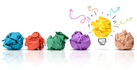 imaginacion: Concepto de idea con papel arrugado colorido