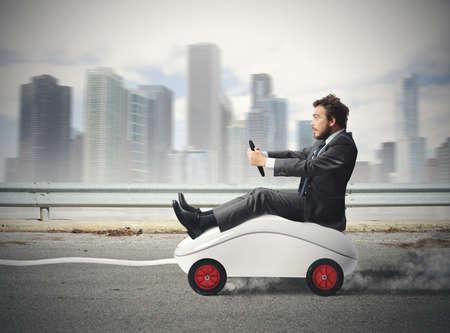Concept van de snelle internet met de muis als een auto