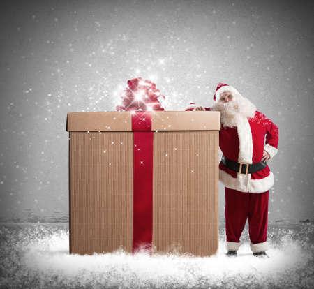 sac: Magic Christmas with Santa Claus with a big gift