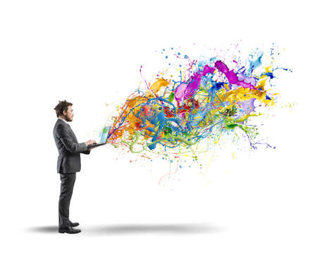 konzepte: Konzept der kreativen Geschäft mit Geschäftsmann mit Laptop Lizenzfreie Bilder