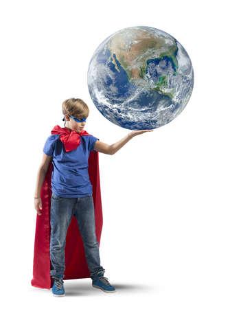 젊은 슈퍼 영웅으로 세계를 구원의 개념 스톡 콘텐츠