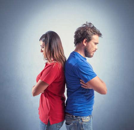 desacuerdo: Concepto de la joven pareja con problemas de relación Foto de archivo