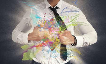 비즈니스맨: 다채로운 효과 크리 에이 티브 비즈니스의 개념