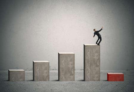 Concepto de riesgo y crisis en los negocios con estadísticas bar