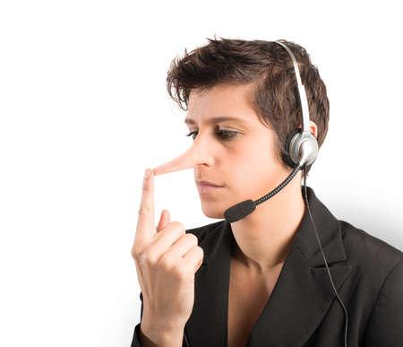 長い鼻を持つカスタマー サポート嘘つきの概念 写真素材