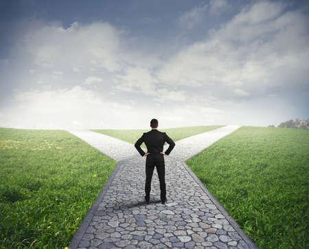 Concept van de belangrijke keuzes van een zakenman