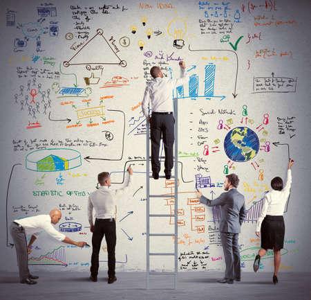 tendencja: Zespół biznesowych rysunek nowy duży projekt
