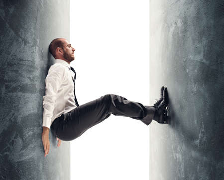圧力の下で重点を置かれたビジネスマンの概念