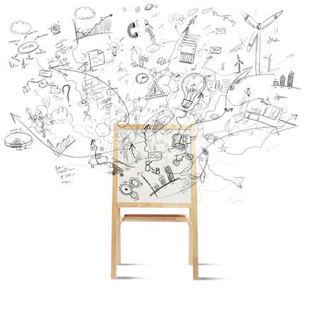 persona confundida: Concepto de la creatividad con la pizarra llena de nuevo proyecto