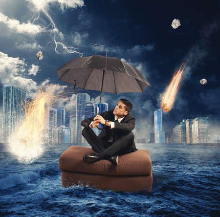 落下隕石との市場の崩壊の概念 写真素材