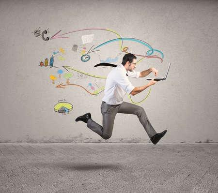 Conceito de negócio rápido com o funcionamento de empresário Imagens