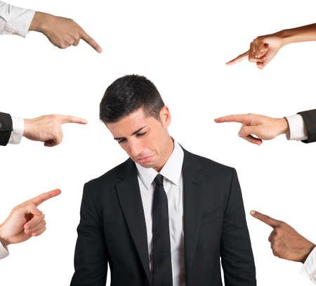 desconfianza: Concepto de denuncia de un empresario culpable