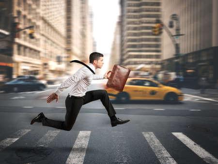 commerciali: Concetto di business veloce con esecuzione imprenditore