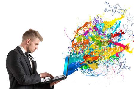 Creatieve technologie met kleurrijke gevolg dat het verlaten van een tabel