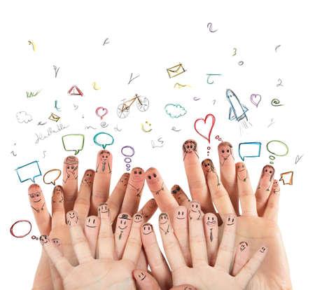 interacci�n: Internet y la red social, concepto con las manos