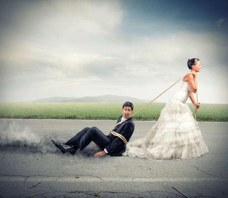 Grappig concept van de gebonden en gevangen door huwelijk