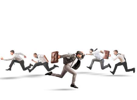 follow the leader: Concept van richting te veranderen en anders zijn Stockfoto