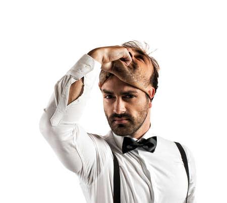 wiedererkennen: Konzept der Zeit, sich mit Gesch�ftsmann und Maske �ndern