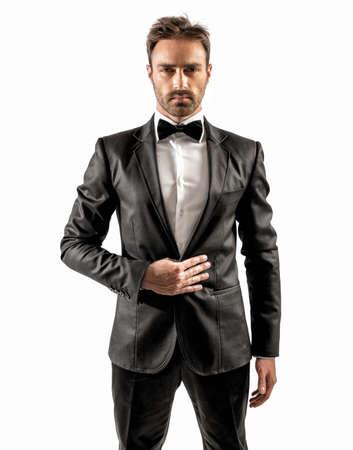 Sexy elegante zakenman met vlinderdas en wit overhemd
