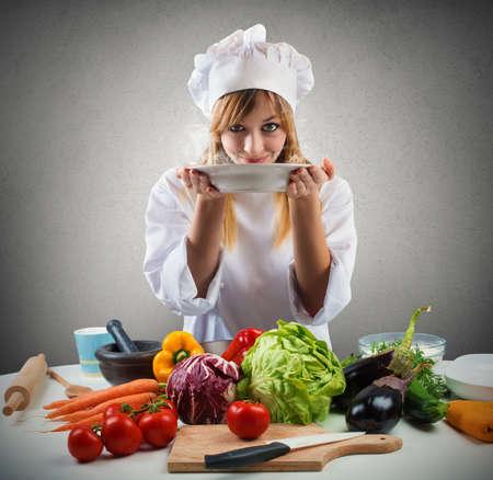 sabroso: Sabroso plato lleno de verduras de un chef