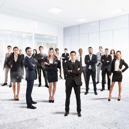 Conceito de parceria e trabalho em equipe com empresários