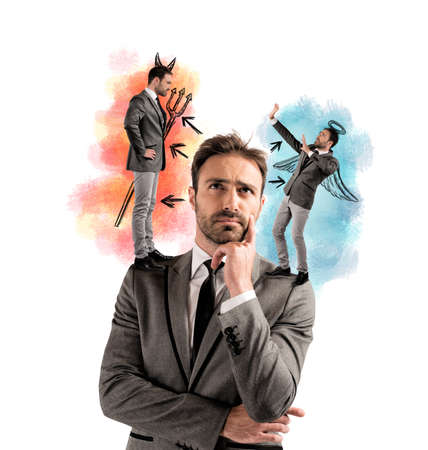 Versuchung von einem Geschäftsmann mit Engel und Teufel Standard-Bild - 33595716