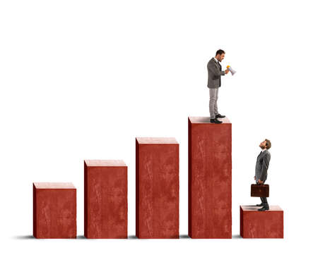 crisis economica: Concepto de estadísticas negativas debido a la crisis económica