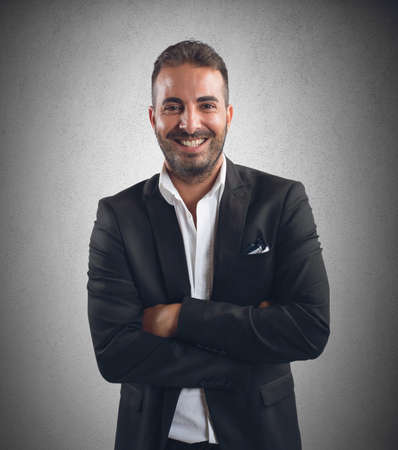 semblance: Imprenditore sorridente per la realizzazione del progetto