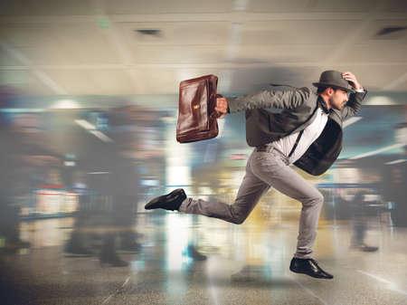 Tourist runs late to the flight departure