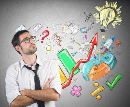 Een zakenman creëert een systeem om te slagen
