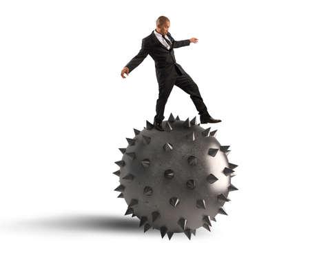 stingers: Man keeps the balance despite the crisis