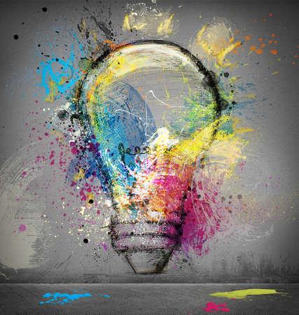 festékek: Festék villanykörte szimbóluma okos ötlet Stock fotó