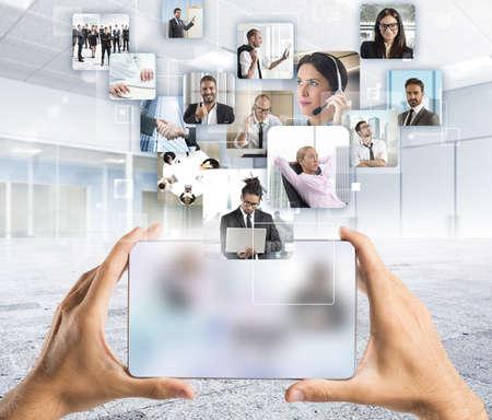 Manager en zijn bedrijf team om actie Stockfoto