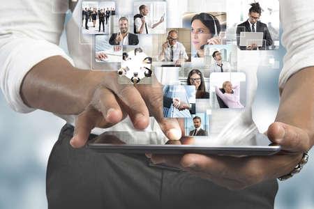 trabajo en equipo: Manager y su equipo de negocios a la acción