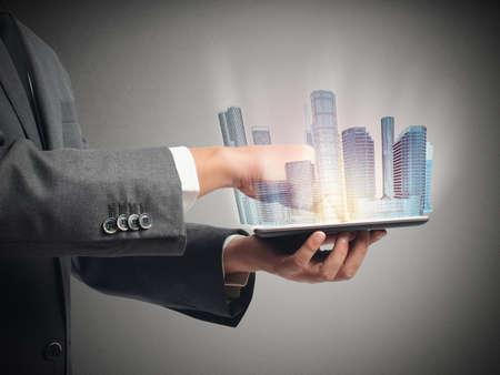 Architecte montre la projection du projet urbain Banque d'images