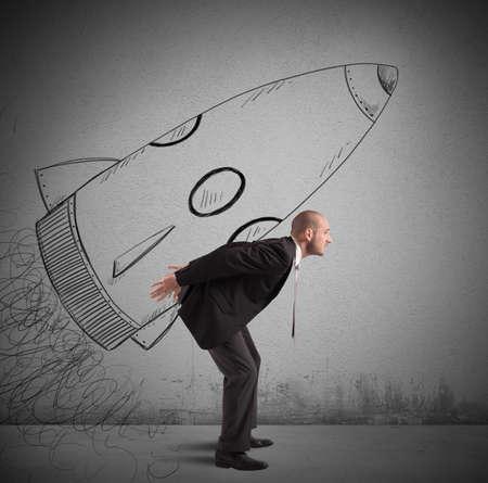freiheit: Geschäftsmann träumt zum Erfolg mit Raumschiff erreichen