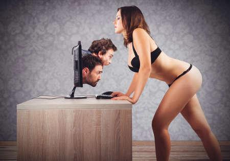sexo: Prohibida conversación con dos hombres y una mujer