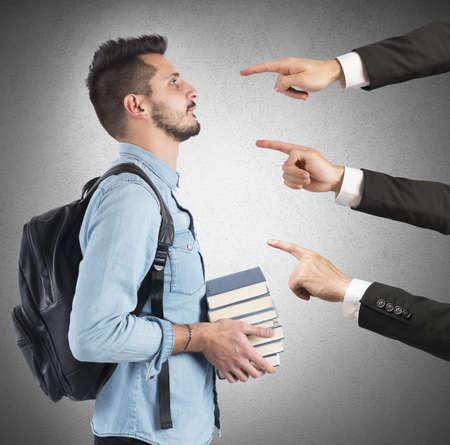 cognicion: Estudiante de universidad culp� injustamente por los profesores Foto de archivo