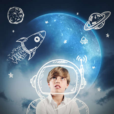 estrella caricatura: Ni�o sue�a despierto y juega a ser astronauta