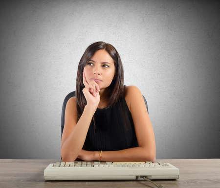 interrogative: El pensamiento de negocios en la oficina para planificar Foto de archivo