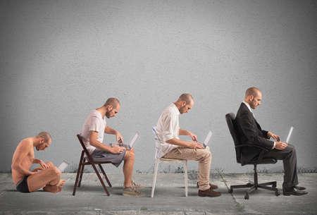 hombre pobre: Concepto de la evolución y el éxito de un empresario