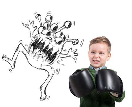 gripe: Enojado ni�o se enfrenta a un virus monstruoso feo