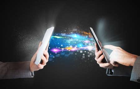 공유와 휴대 전화 사이의 미디어 파일을 전송