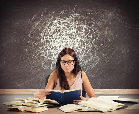 profesor alumno: Estudiante con dudas y lagunas en materia Foto de archivo
